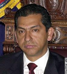 Un abogado del ex presidente Lucio Gutiérrez solicitó a la justicia devolver el poder al ex mandatario, destituido por el Congreso en abril, se informó el ... - 5_lucio_gutierrez