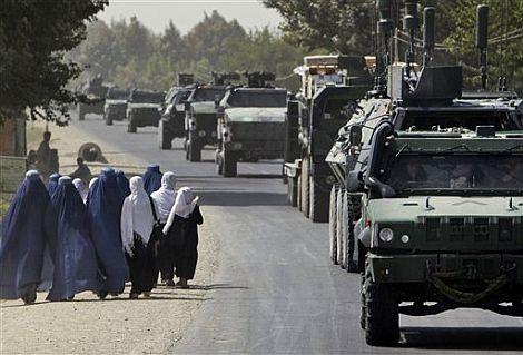 http://iarnoticias.com/images/varios_07/5_afganistan_tanques.jpg